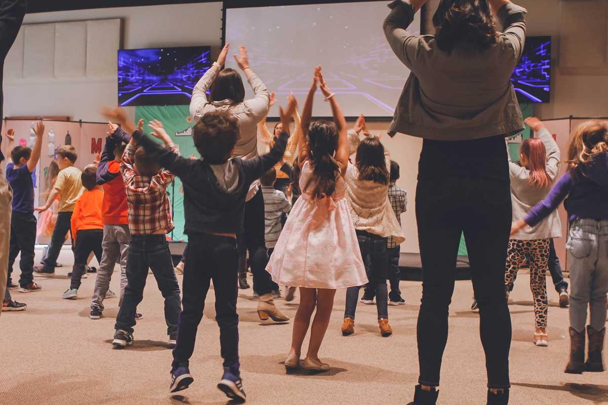 Qué no puede faltar en los bailes de fiesta de fin de curso infantil